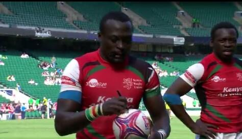 Collins injera signing the autograph   200th try