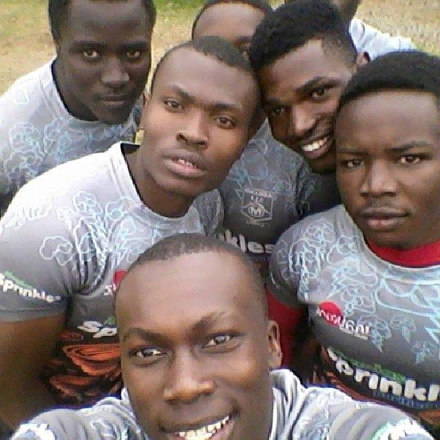 Photo : Bernard Kambu takes a selfie with his team mates | KRU 7s 2015 | Credits Mapesa