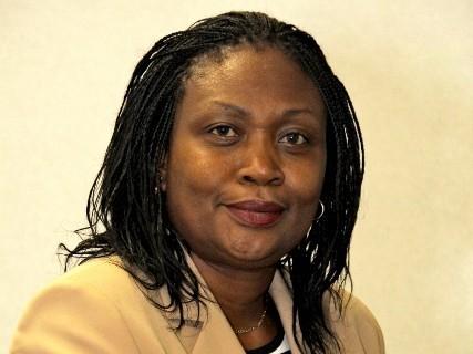 Rita Kavashe briefs Gangla Oduor why modern Isuzu buses are the best